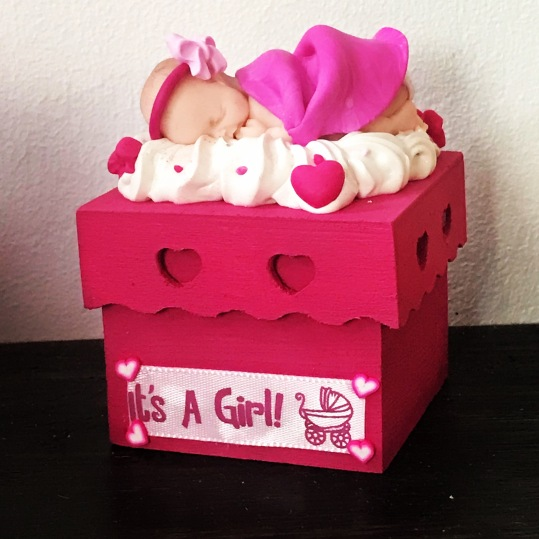 Annoncez le sexe de l'enfant ou cadeau de naissance pour les premiers effets de bébé !
